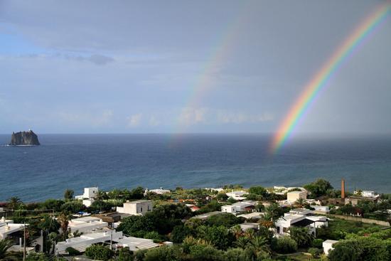 Doppio arcobaleno a Stromboli; (959 clic)