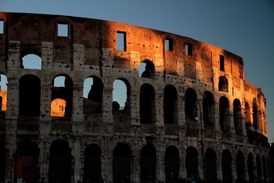 L'ultimo raggio di sole; - Roma (671 clic)