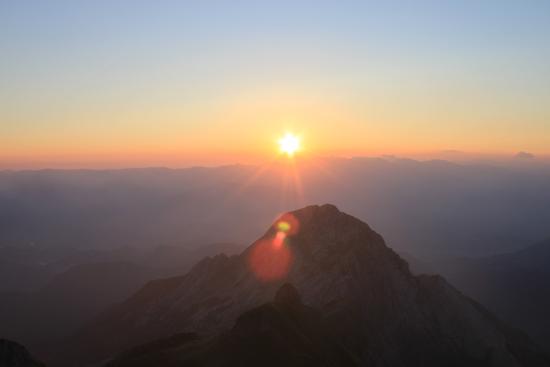 Alba, dalla cima della Pania della Croce - Alpi apuane (1054 clic)