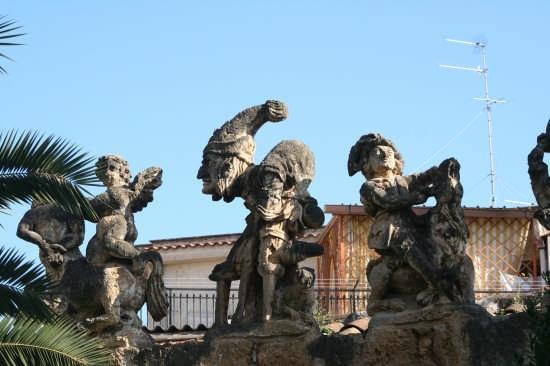 Villa Palagonia,  detta anche villa dei Mostri - Bagheria (8184 clic)