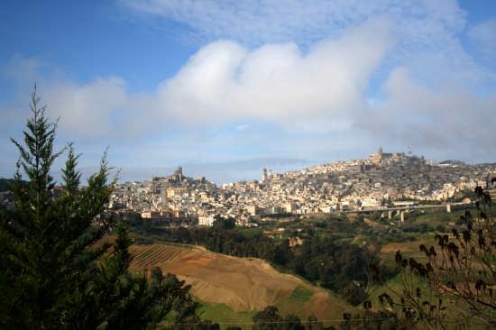 Panoramica di Caltagirone - Città della ceramica (7812 clic)