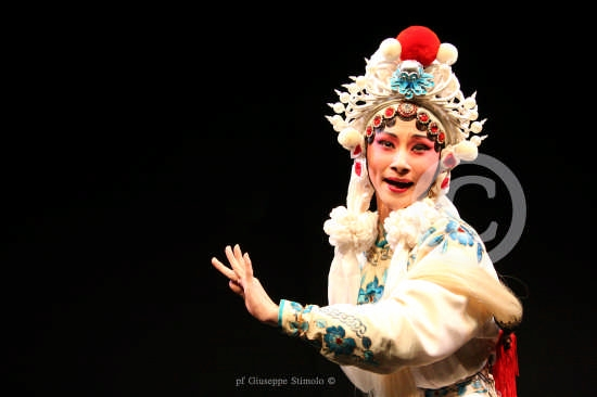 Catania - Maschera teatrale della Compagnia Nazionale d'Opera Cinese GUO GUAN (6179 clic)