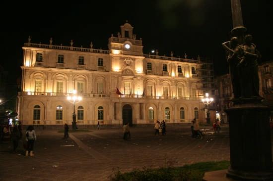 Piazza Università - Catania (5669 clic)