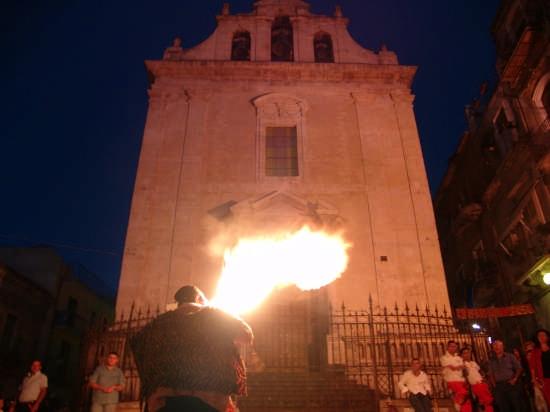 CASTRUM FEST - Mangia fuoco - Lentini (3517 clic)