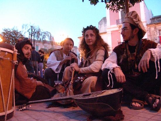 CASTRUM FEST - Mangia fuoco - Lentini (4888 clic)