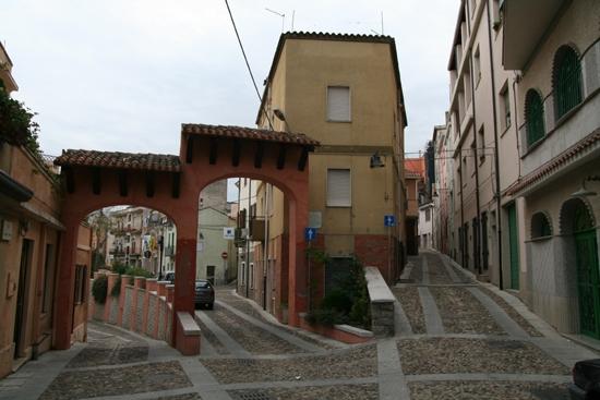 Nuoro - scorcio del centro storico (6306 clic)