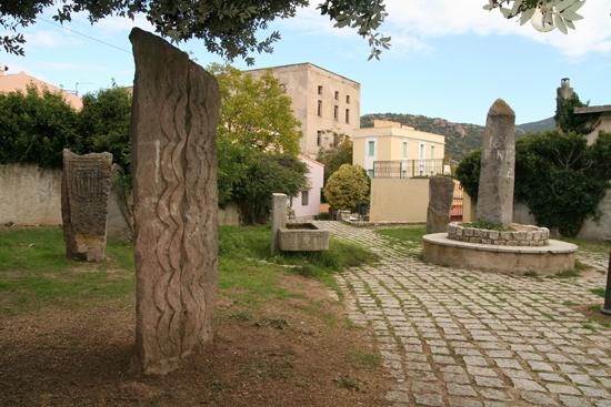 Nuoro - il parco di pietra (5465 clic)