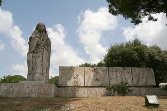 Monumento a Santa Caterina - Roma (2303 clic)
