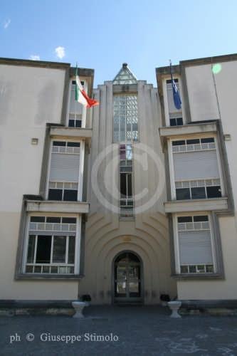 L'Aquila - Ingresso della modernissima Accademia di Belle Arti (9433 clic)