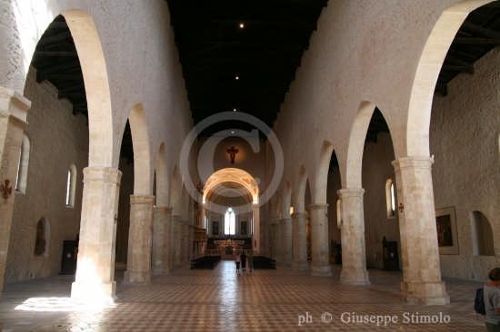 l'Aquila - Interno dello splendido Duomo (7184 clic)