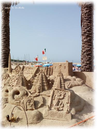 Sculture di sabbia - San vito lo capo (358 clic)