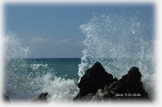 L'onda  che si infrange sugli scogli....!!!!  - Cefalù (753 clic)