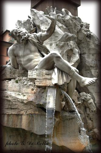 La fontana  del moro di Piazza Navona...!!!! - Roma (493 clic)
