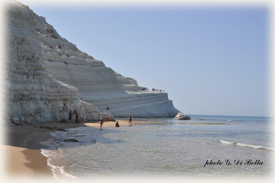 La scala dei Turchi vista dalla spiaggia - Realmonte (446 clic)
