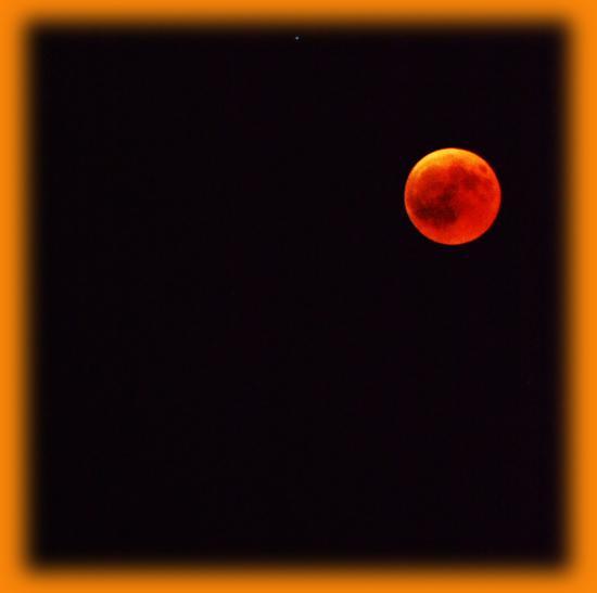 la luna rossa del 27 Luglio....!!!! - Sambuca di sicilia (358 clic)