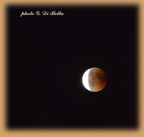 la parte finale dell'eclissi di luna del 27/Luglio uno spettacolo unico....!!!!! - Sambuca di sicilia (379 clic)