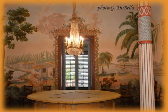 uno degli ambienti interni della Palazzina Cinese - Palermo (254 clic)