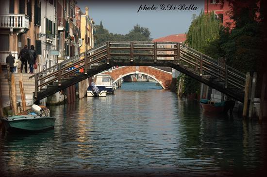 Tra i canali di Venezia...!!! (472 clic)
