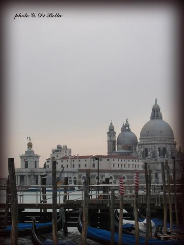 Punta Dogana.....vista dal Canal Grande...!!! - Venezia (465 clic)