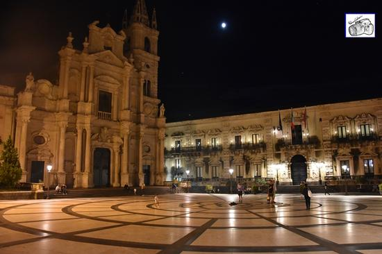 chiesa Sacro Cuore e piazza  - Acireale (105 clic)