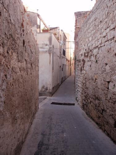 Vicolo in Ragusa Ibla  (1316 clic)