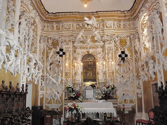 Interno chiesetta del castello - Castelbuono (1346 clic)