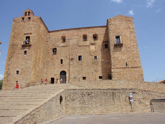 Castello - Castelbuono (1104 clic)