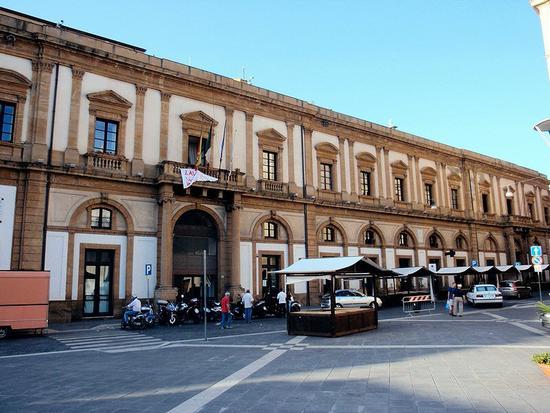 Teatro Regina Margherita     - Caltanissetta (285 clic)