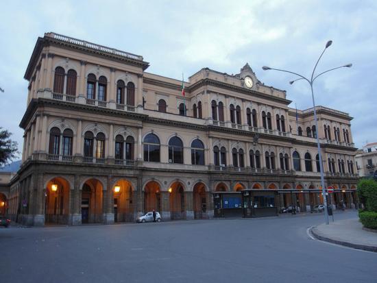 Stazione centrale   - Palermo (995 clic)