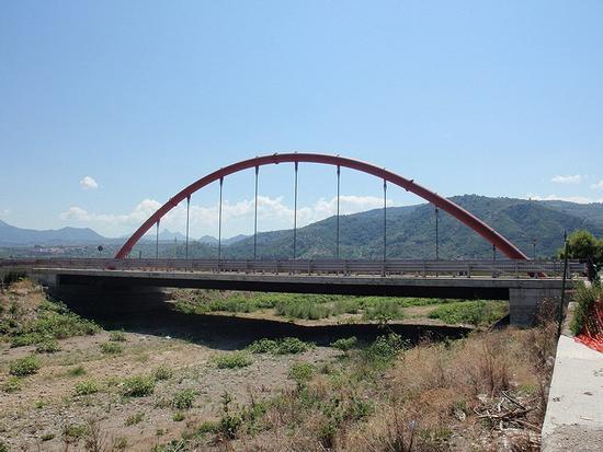 ponte    - Oliveri (575 clic)