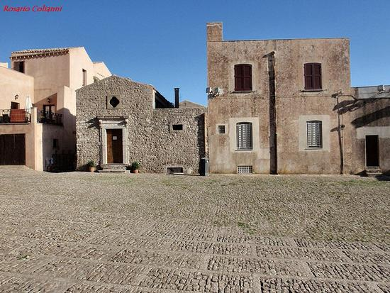 piazza duomo  - Erice (427 clic)