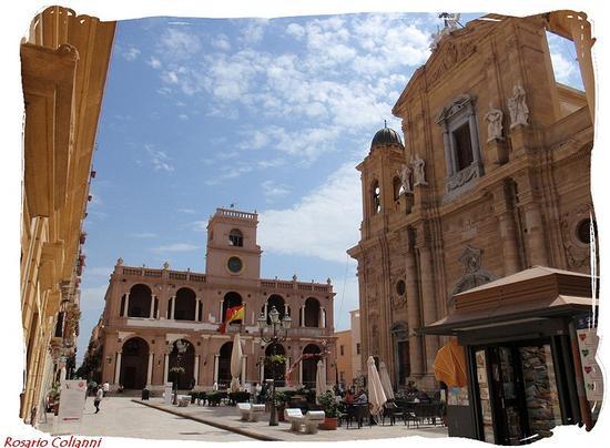 piazza duomo  - Marsala (381 clic)