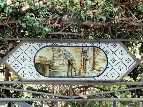 I mestieri in ceramica  - Santo stefano di camastra (392 clic)