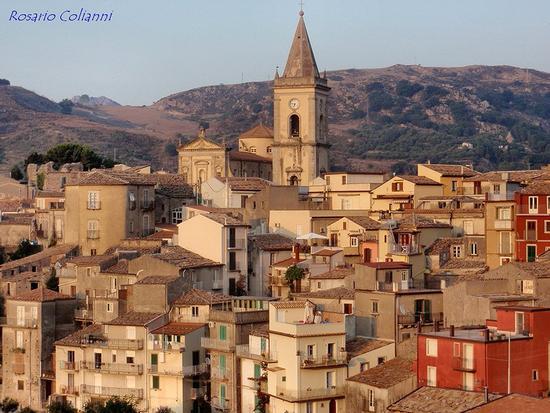 panorama - Novara di sicilia (333 clic)