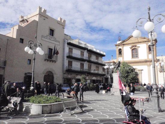 Piazza       - Casteldaccia (1370 clic)