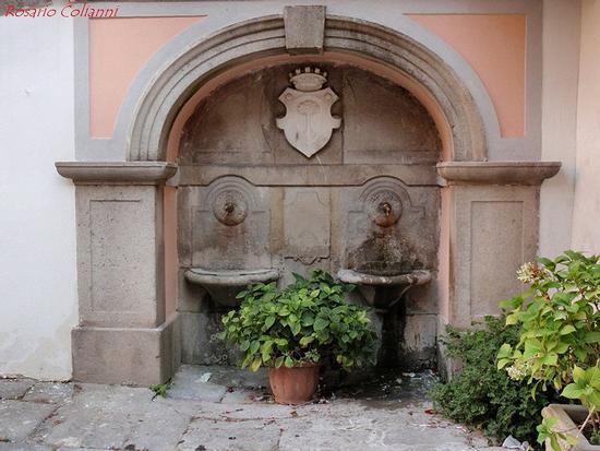 fontana - Novara di sicilia (280 clic)