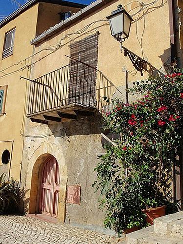 Scorcio    - Leonforte (1304 clic)