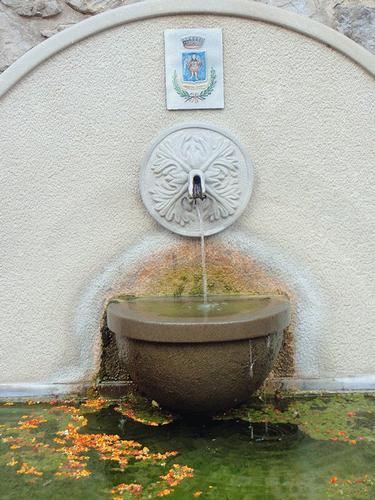 fontana  - Sant'angelo di brolo (103 clic)