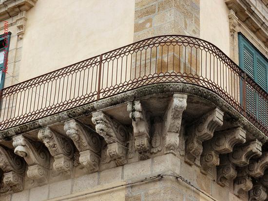 balcone barocco   - Caltagirone (193 clic)