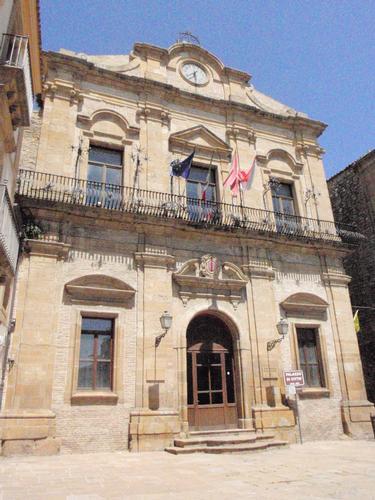 Palazzo - Municipio - Piazza armerina (1335 clic)
