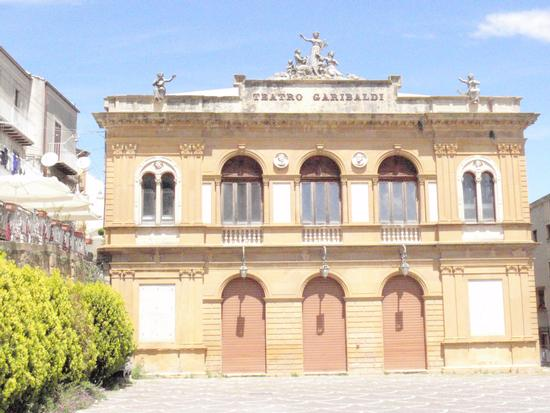 Teatro Garibaldi - Piazza armerina (890 clic)