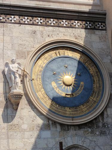 Torre dell'orologio -Particolare riguardante il Calendario Perpetuo   - Messina (1569 clic)