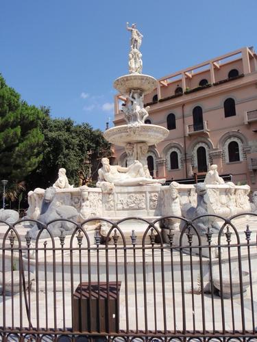 Fontana di Piazza Duomo - Messina (1864 clic)