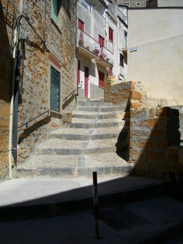 scalinata - Calascibetta (3370 clic)