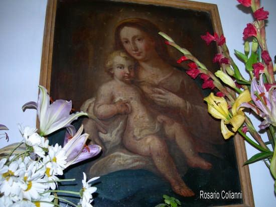Maria e Gesù bambino  - Casteldaccia (3168 clic)