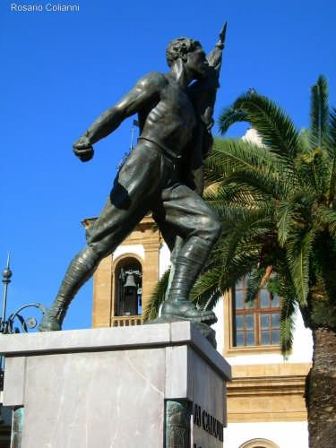 Ai Caduti in Guerra  - Casteldaccia (3401 clic)