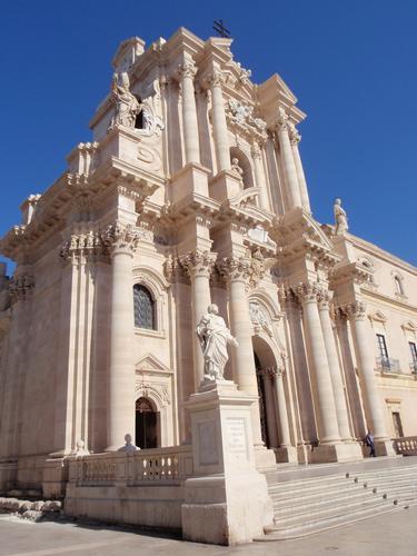 La Cattedrale  - Siracusa (2860 clic)