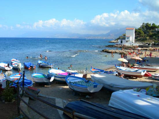 Bella Spiaggia  - Sant'elia (3576 clic)