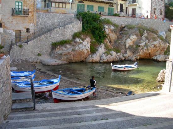 Scalinata del pescatore - Sant'elia (4834 clic)