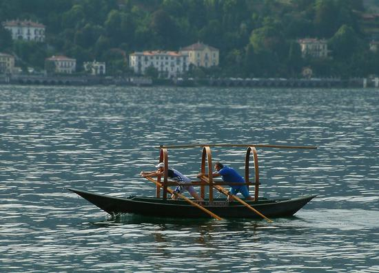 in azione con Barca Lariana - Bellagio (512 clic)